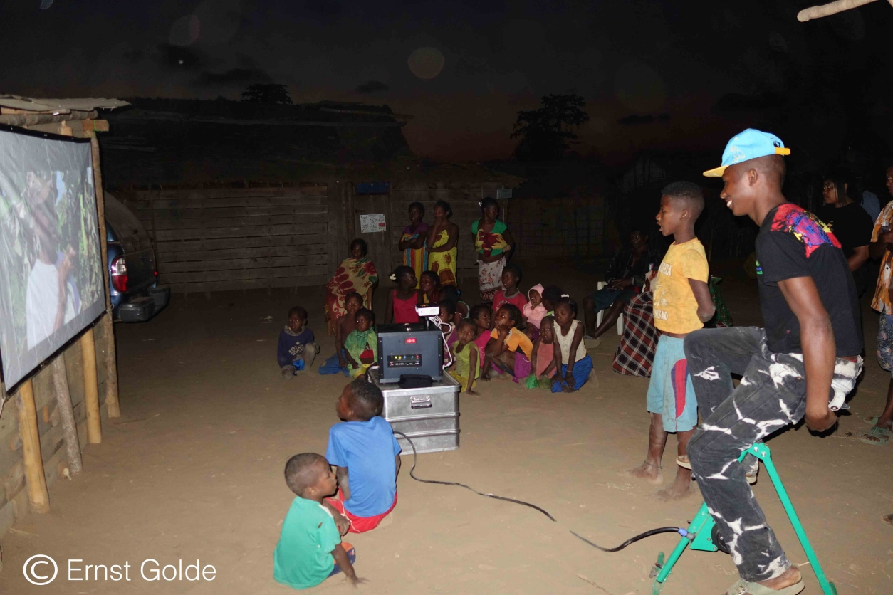 A mobile cinema for education